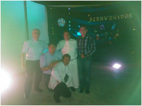 Con Fr. Salvador el día de su profesión y los tres nuevos candidatos